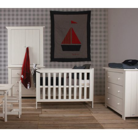 babykamer-paris-white-happy-baby